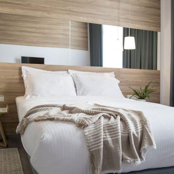 Monogram-Hotel_junior-suite_by-8dsgn (3)